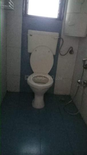 Common Bathroom Image of 950 Sq.ft 2 BHK Apartment for rent in Ghansoli for 35000