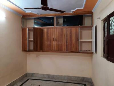 Gallery Cover Image of 550 Sq.ft 2 BHK Independent Floor for rent in Mayur Vihar Phase 1 for 10000