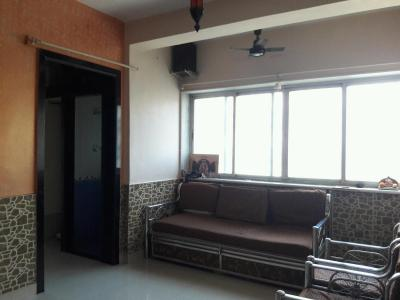 Gallery Cover Image of 560 Sq.ft 1 BHK Apartment for rent in Kandivali East for 21000