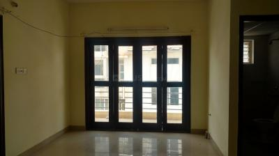 Gallery Cover Image of 1370 Sq.ft 2 BHK Apartment for rent in Keerthi Flora Apartment, Bilekahalli for 25000