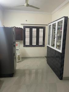 Gallery Cover Image of 1100 Sq.ft 2 BHK Apartment for buy in  Pragathi And Tulasi, Pragathi Nagar for 5800000