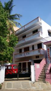 Gallery Cover Image of 3600 Sq.ft 8 BHK Independent House for buy in Whitefield for 68400000