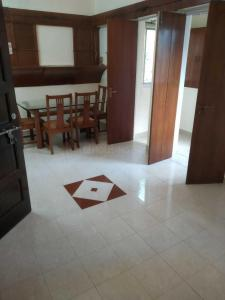 Gallery Cover Image of 1020 Sq.ft 2 BHK Apartment for rent in Bandra West for 75000
