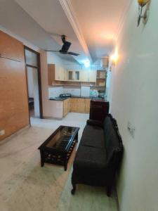 Gallery Cover Image of 600 Sq.ft 2 BHK Independent Floor for buy in Malviya Nagar for 5000000
