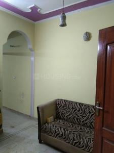 Gallery Cover Image of 500 Sq.ft 1 BHK Independent Floor for rent in Govindpuri for 10000