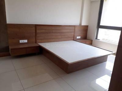 Gallery Cover Image of 2700 Sq.ft 4 BHK Apartment for rent in Bodakdev for 65000