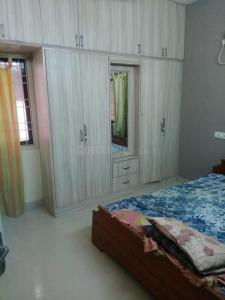 Gallery Cover Image of 900 Sq.ft 2 BHK Apartment for rent in Velachery for 22000