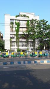 Gallery Cover Image of 1957 Sq.ft 3 BHK Apartment for rent in Tollygunge for 160000