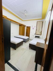 Bedroom Image of North Campus Girls PG in GTB Nagar