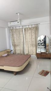 Gallery Cover Image of 2000 Sq.ft 3 BHK Apartment for rent in Science City for 26500