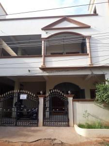 Gallery Cover Image of 1400 Sq.ft 2 BHK Independent Floor for rent in Old Bowenpally for 15000