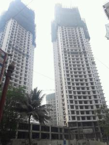 Gallery Cover Image of 1500 Sq.ft 3 BHK Apartment for buy in Goregaon West for 27500000