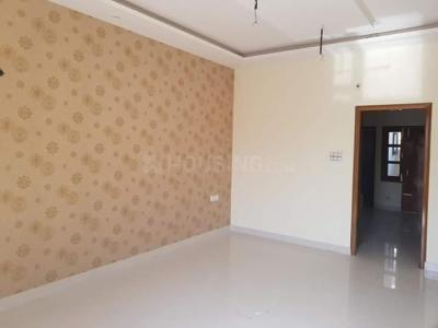 Gallery Cover Image of 450 Sq.ft 2 BHK Independent Floor for rent in RWA Ram Saroop Building, Sarai Rohilla for 12000