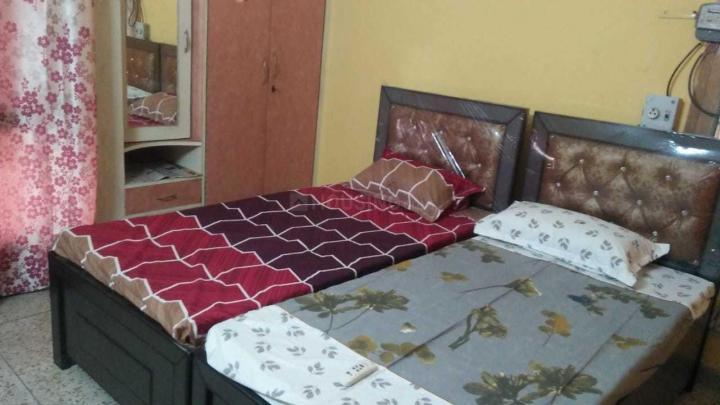 शाहदरा में भाति पीजी में बेडरूम की तस्वीर