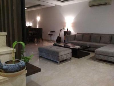 Gallery Cover Image of 3250 Sq.ft 4 BHK Independent Floor for rent in RWA Jasola Pocket 1, Jasola for 70000