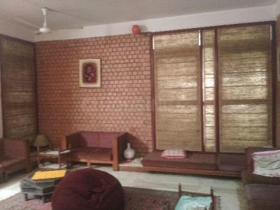 Gallery Cover Image of 3000 Sq.ft 4 BHK Independent House for buy in Richmond Town for 84000000