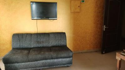 Gallery Cover Image of 1400 Sq.ft 3 BHK Apartment for rent in GOLF CITY, Sector 75 for 20000