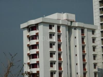 Gallery Cover Image of 1350 Sq.ft 3 BHK Apartment for rent in Shwas Cyber Hills, Kakkanad for 17000