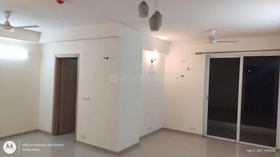Gallery Cover Image of 2100 Sq.ft 3 BHK Apartment for rent in DLF Express Greens, Manesar for 15000