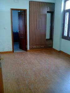 Gallery Cover Image of 1850 Sq.ft 4 BHK Apartment for rent in Sector 24 Dwarka for 35000