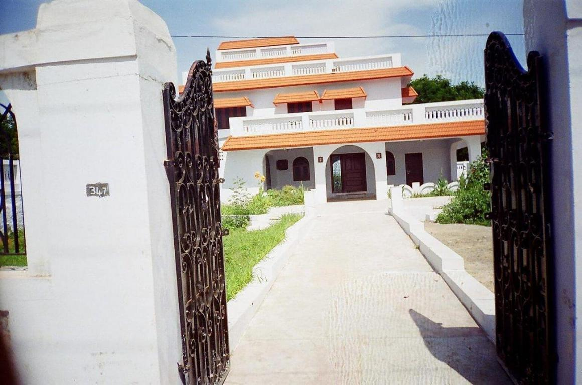 Main Entrance Image of 4800 Sq.ft 5 BHK Independent House for rent in Sriperumbudur for 70000