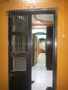 Gallery Cover Image of 550 Sq.ft 1 BHK Apartment for rent in Ghatkopar West for 25000
