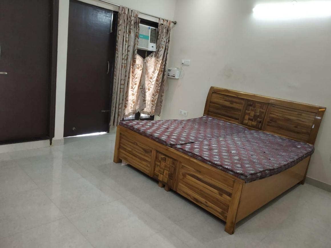 Bedroom Image of 700 Sq.ft 1 BHK Independent House for rent in Sushant Lok I for 23000