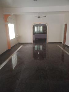 Gallery Cover Image of 2100 Sq.ft 2 BHK Independent Floor for rent in Selaiyur for 22000
