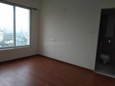 Gallery Cover Image of 1950 Sq.ft 4 BHK Apartment for rent in Kandivali East for 65000