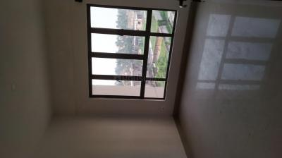 Gallery Cover Image of 1400 Sq.ft 3 BHK Apartment for rent in Chinar Park for 14000