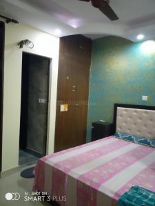 Gallery Cover Image of 1500 Sq.ft 3 BHK Apartment for rent in Patparganj for 26000