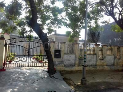 Gallery Cover Image of 2152 Sq.ft 2 BHK Independent House for buy in Sector 31 for 8300000