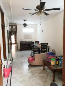 Gallery Cover Image of 1125 Sq.ft 3 BHK Independent Floor for buy in  Vikram Vihar Residents Association, Lajpat Nagar for 18000000