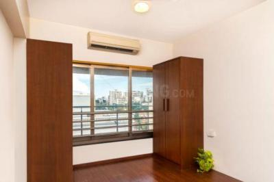 Gallery Cover Image of 1650 Sq.ft 3 BHK Apartment for rent in Santacruz West for 200000