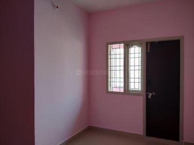 Gallery Cover Image of 600 Sq.ft 1 BHK Independent House for rent in Ekkatuthangal for 8000