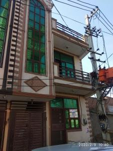 Gallery Cover Image of 550 Sq.ft 2 BHK Independent House for buy in Sector 105 for 4800000