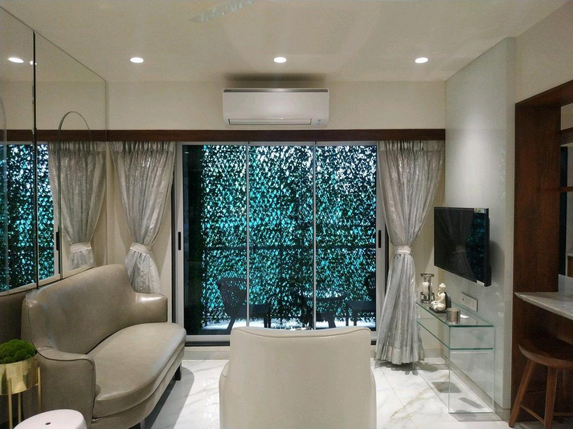 Living Room Image of 740 Sq.ft 1 BHK Apartment for buy in Mira Road East for 5850000
