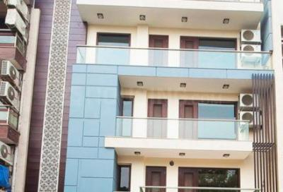 Gallery Cover Image of 1000 Sq.ft 2 BHK Apartment for buy in Dhalwala for 3000000