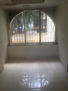 Gallery Cover Image of 650 Sq.ft 2 BHK Apartment for rent in Santacruz West for 50000