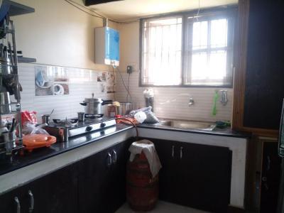 कोयंबेदू में सन पैलेस के किचन की तस्वीर