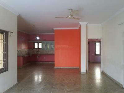 Gallery Cover Image of 1200 Sq.ft 2 BHK Apartment for rent in Valasaravakkam for 18000