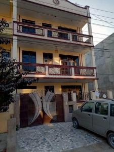 Gallery Cover Image of 1440 Sq.ft 2 BHK Independent Floor for rent in Sector 46 for 26000