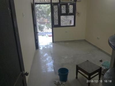 Gallery Cover Image of 1500 Sq.ft 3 BHK Apartment for rent in Vikaspuri for 22000