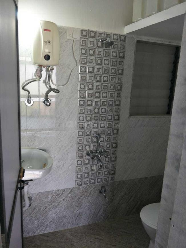 Common Bathroom Image of 895 Sq.ft 2 BHK Apartment for buy in Neral for 2455600