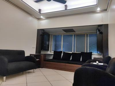 Gallery Cover Image of 630 Sq.ft 1 BHK Apartment for rent in Santacruz West for 48000