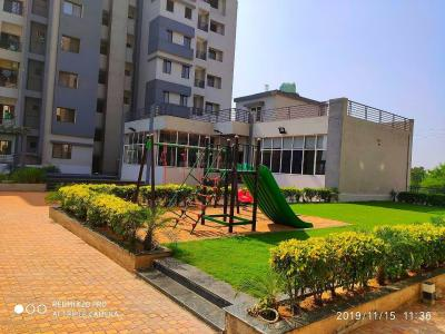 Gallery Cover Image of 995 Sq.ft 2 BHK Apartment for buy in S P Raheja Residency, Purena for 2600000