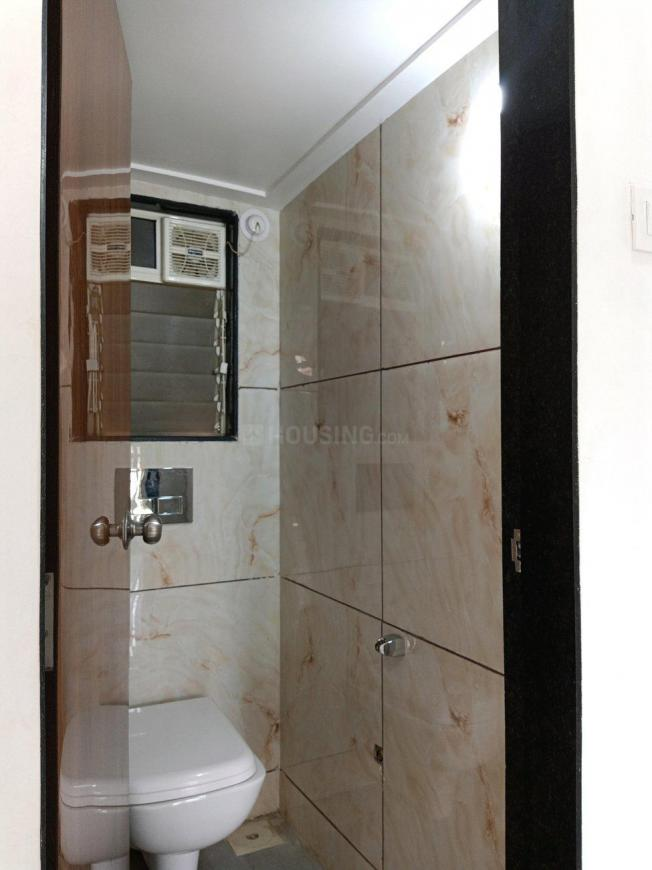 Common Bathroom Image of 610 Sq.ft 1 BHK Apartment for rent in Undri for 12000