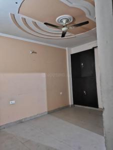 Gallery Cover Image of 1500 Sq.ft 3 BHK Apartment for rent in Avj Heightss, Zeta I Greater Noida for 15000
