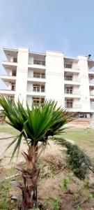 Gallery Cover Image of 1010 Sq.ft 2 BHK Apartment for buy in Vihaan Galaxy, Kulesara for 2399000