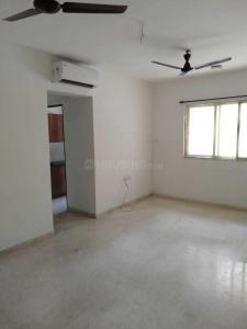 Gallery Cover Image of 950 Sq.ft 2 BHK Apartment for buy in Thane West for 8600000